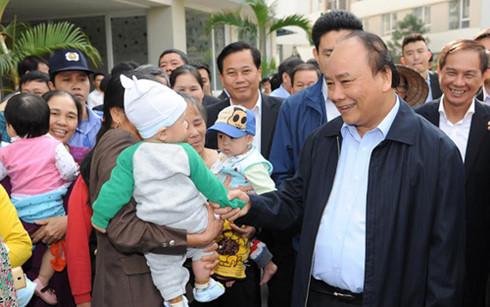 Thủ tướng Nguyễn Xuân Phúc: Tạo nhiều cơ hội cho người nghèo, người có thu nhập thấp có nhà ở