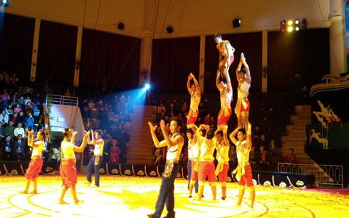 การแข่งขันละครสัตว์สำหรับนักแสดงรุ่นใหม่  ของเวียดนาม ลาวและกัมพูชาที่มีเชาว์ความสามารถ