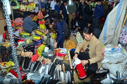Базар Вьенг, который собирается лишь в начале года по лунному календарю