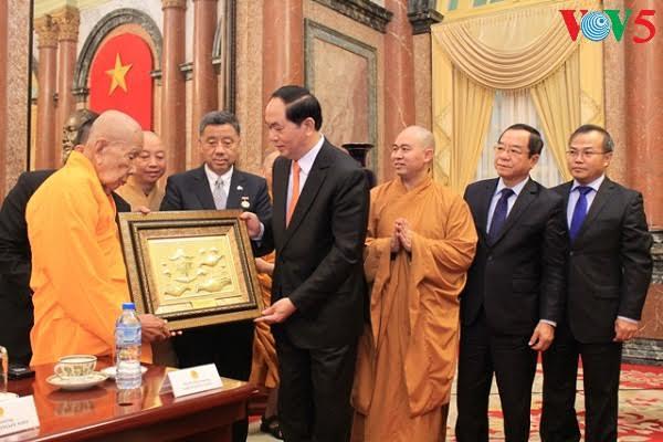 Overseas Vietnamese contributes enormously to Vietnam-Thailand ties: President
