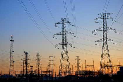 จังหวัดกว๋างนิงเดินหน้าในการปฏิบัติโครงการพัฒนาไฟฟ้าสู่ชนบทและเกาะแก่ง