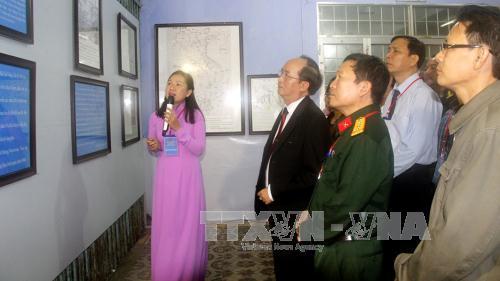 งานนิทรรศการเกี่ยวกับหว่างซาและเจื่องซาของเวียดนามในจังหวัดฟู้เอียน