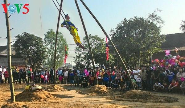 งานเทศกาลยามวสันต์ฤดูของหมู่บ้าน