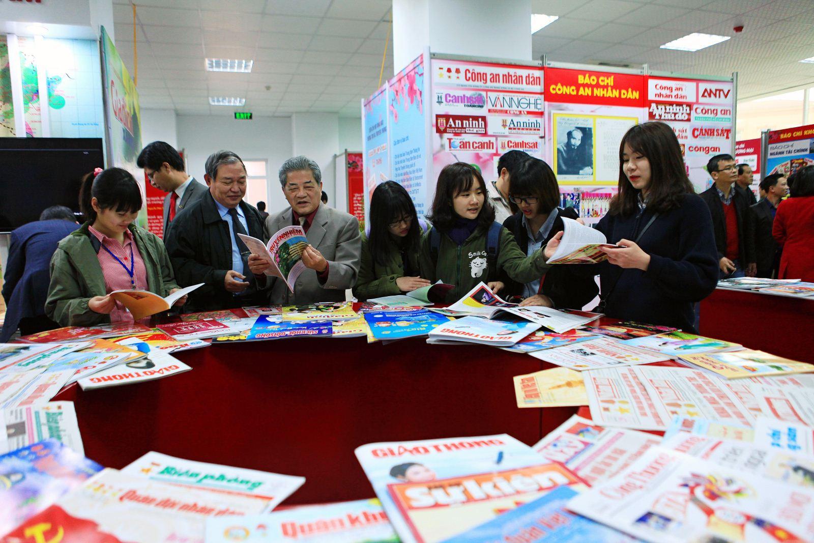 งานนิทรรศการหนังสือพิมพ์ปี๒๐๑๗จะมีขึ้นในเช้าวันที่๑๗มีนาคม ณ กรุงฮานอย