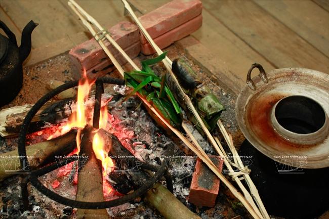 เตาไฟในชีวิตของชนเผ่าเคอมู้