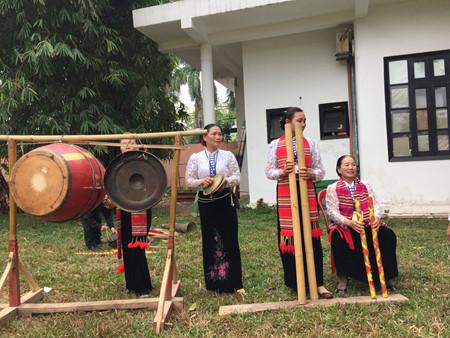 เทศกาล เฮ๊ตช้า เอกลักษณ์วัฒนธรรมของชนกลุ่มน้อยเผ่าไทในจังหวัดเซินลา