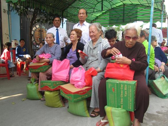 Забота о малоимущих гражданах во время новогоднего праздника