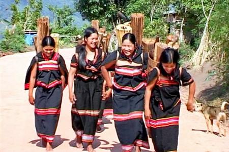 Свадебная традиция «Обручальные дрова» народности Зе-ченг