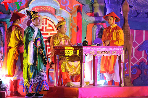 "Hue Festival 2014: ""Royal Palace Night"" re-enacts royal ceremonies"