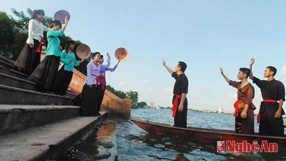 Vietnamese Vi-Giam folk singing revitalized in community