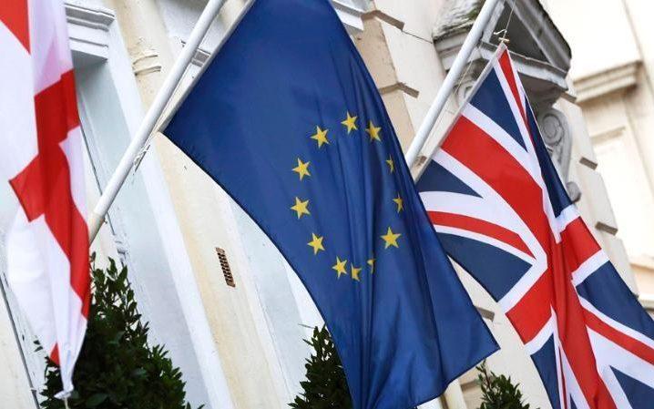 Brexit doesn't break UK economy