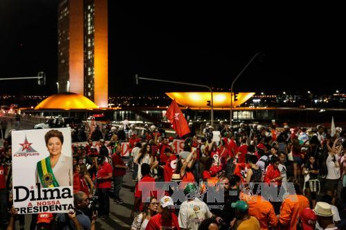 Brazilians march against impeachment of suspended President Dilma Rousseff