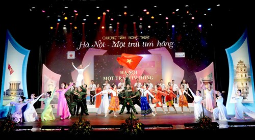 Art program celebrates Hanoi's Liberation Day