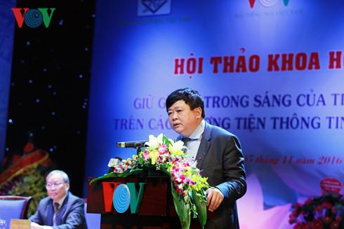 Seminar seeks to preserve Vietnamese language's nature on media