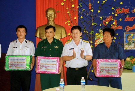 Gifts sent to Nam Du archipelago for Lunar New Year