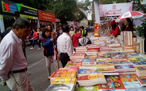 Book Street opens in Hanoi
