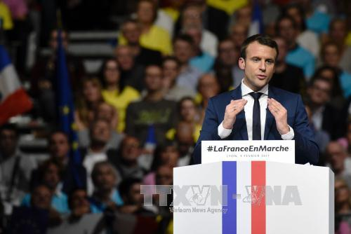 French Presidential Election: Most voters undecided