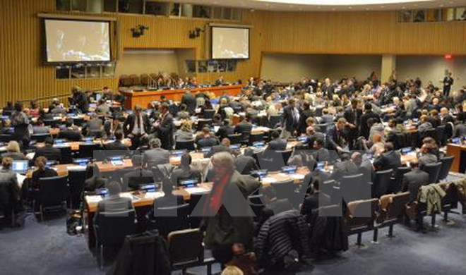 World powers boycott UN talks on nuclear weapons ban