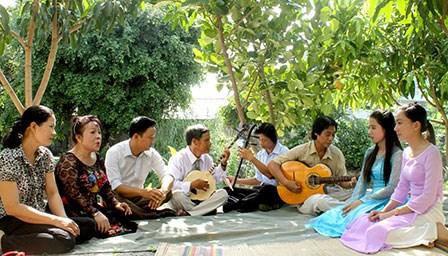 Die ausgezeichnete Künstlerin Truc Linh und der Cai Luong-Gesang