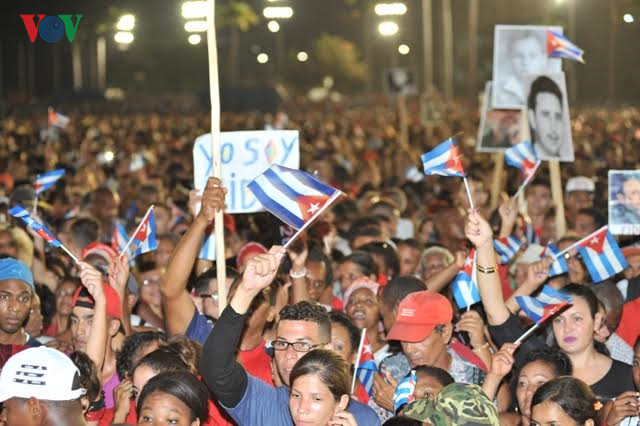 Bewegende Bilder zur Trauerfeier des Revolutionsführers Fidel Castro