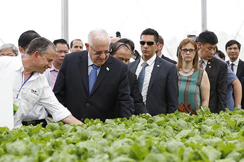 Israels Präsident besucht Landwirtschaftsprojekt VinEco Tam Dao