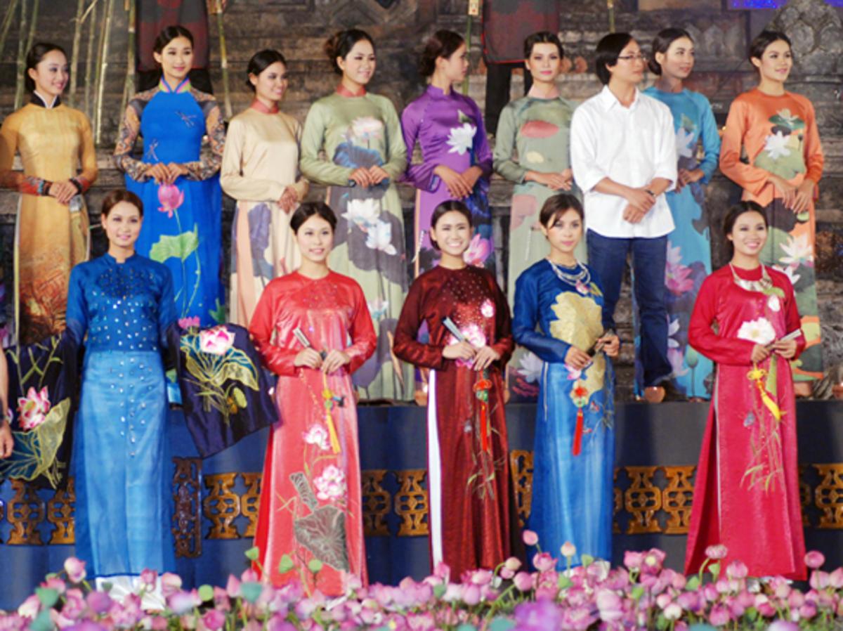 เฟสติวัลชุดประจำชาติ Áo dài ฮานอยปี 2016 จะมีขึ้นในกลางเดือนตุลาคม