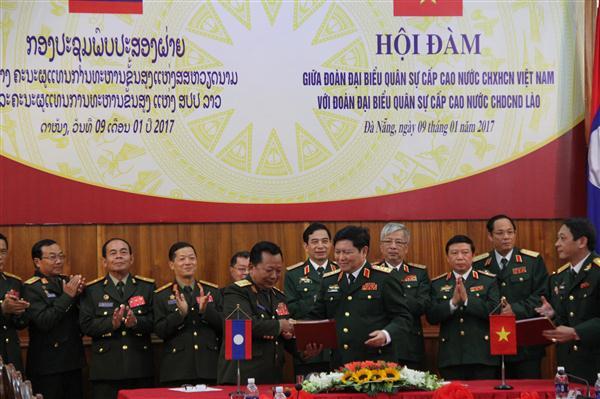 การลงนามแผนความร่วมมือระหว่างกระทรวงกลาโหมเวียดนาม-ลาว