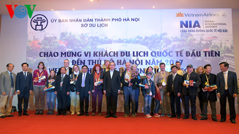 Vietnam receives first foreign visitors in the new year