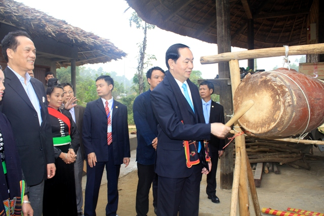 State President joins ethnic group Spring festival