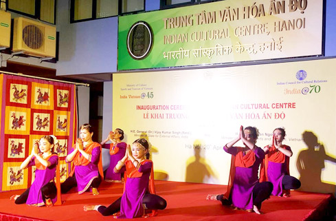Indian Cultural Center debuts in Hanoi