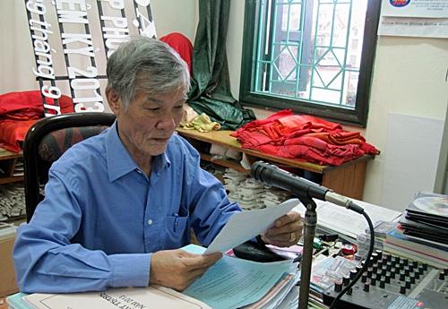 Le Van Huu, a dedicated radio announcer