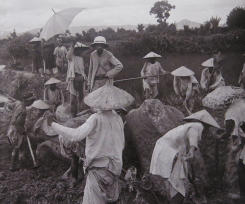 Vietnam Insight: Vietnam in the early 20th century through photos of the French School of the Far Ea