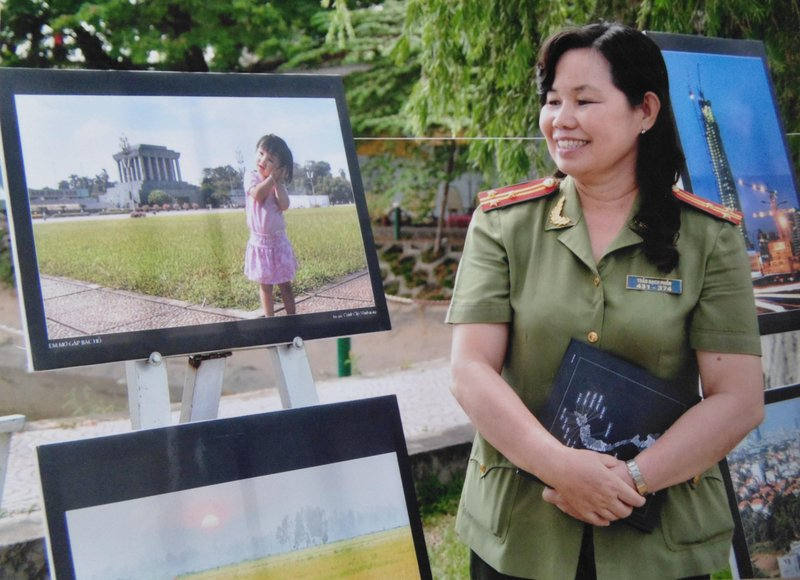Writer, poetess Bach Phan of Dong Thap