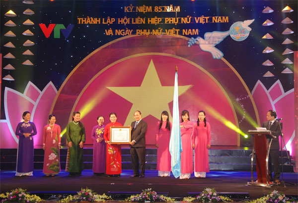 Vietnamese women's contributions to community