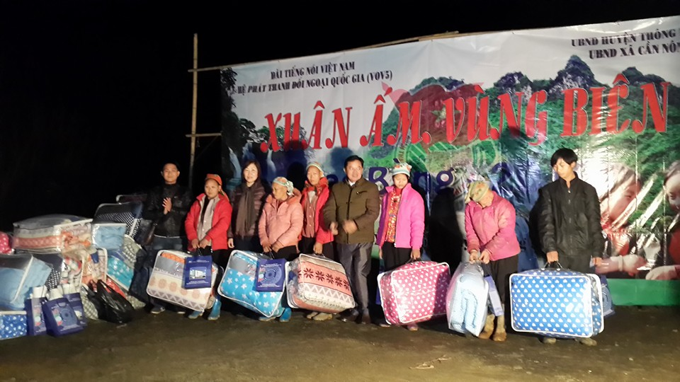 VOV5's charity program in Can Nong border commune