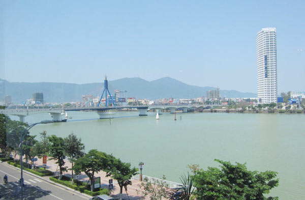 Da Nang remains on top of Provincial Competitiveness Index 2015