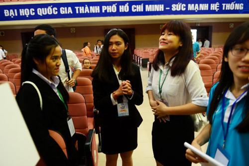 Vietnam's first international student scientific forum opens