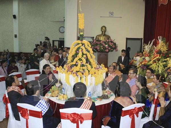 Laos' traditional Bunpimay festival held in Hanoi