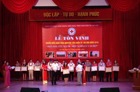 Hanoi honors blood donors