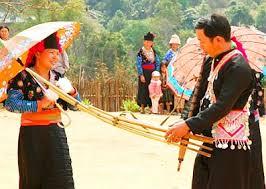赫蒙族维护传统风俗