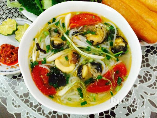 «Бун ок» - Традиционный суп с лапшой и улитками «Made in Hanoi»