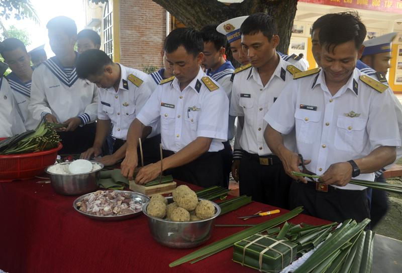 Жители островного уезда Чыонгша с радостью готовятся к встрече Традиционного Нового года