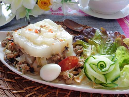 Bánh giò-Vietnamese Rice Pyramid Dumplings
