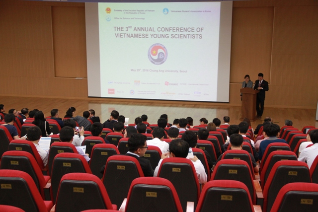 Vietnamese young scientists meet in Korea