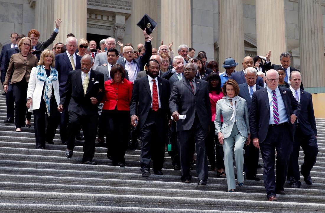 US Democrats push for vote on gun-control bill
