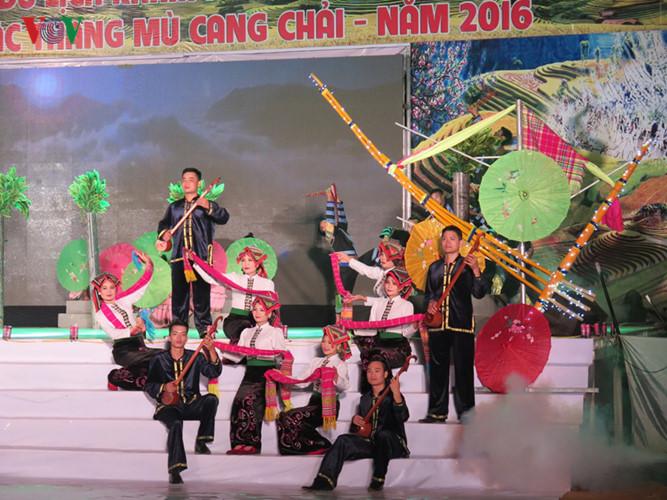 The Mu Cang Chai terraced field festival 2016