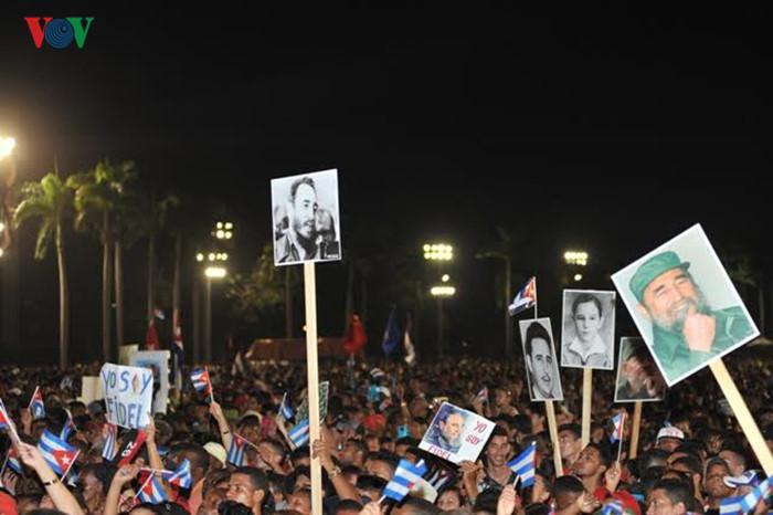 Церемония прощания с Фиделем Кастро на Кубе