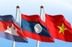 Вьетнам развивает дружбу и сотрудничество с соседними странами