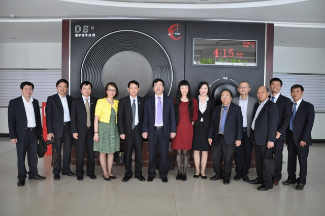 VOV enhances co-operation with China's Yunan Radio & TV Station