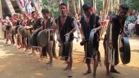 Gong performances of the Bahnar at Vietnam Museum of Ethnology